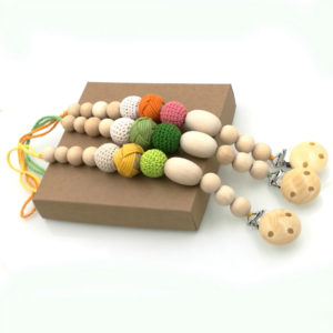 wooden-pacifier-clip